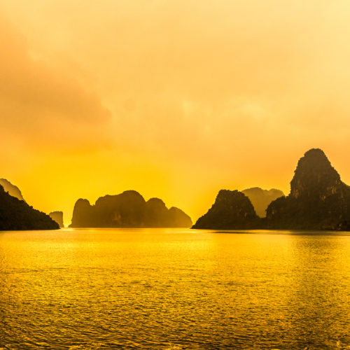 Baie-dHalong-shutterstock_169779140-scaled